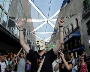 anonymous_interpol_arresto
