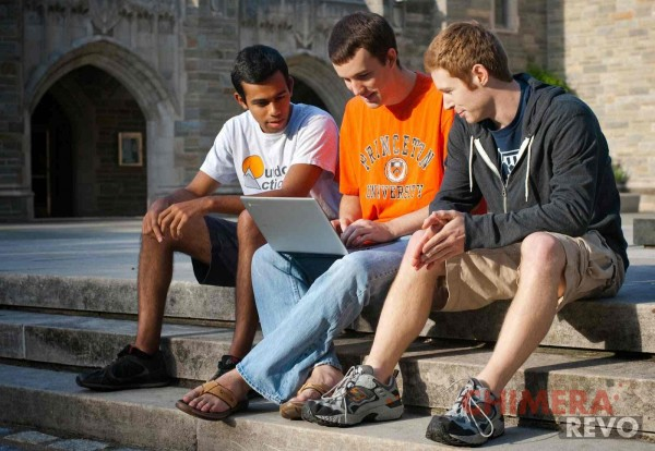 Top pane. princetonstudentswithchromebook (3) (1) (1) (1)_compressed