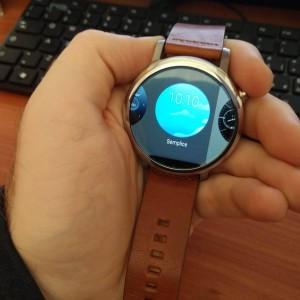 Motorola Moto 360 2015 3