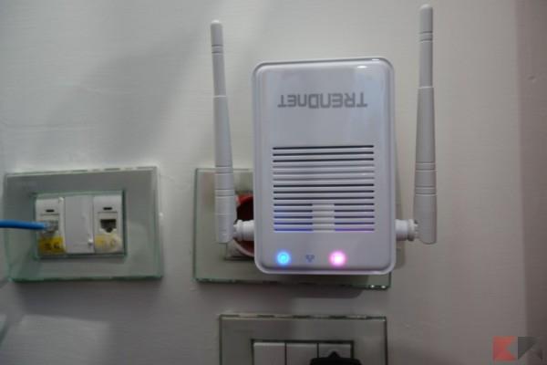 LED WiFi Extender