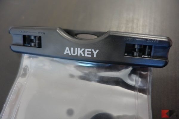 Cover Waterproof AUKEY (5)