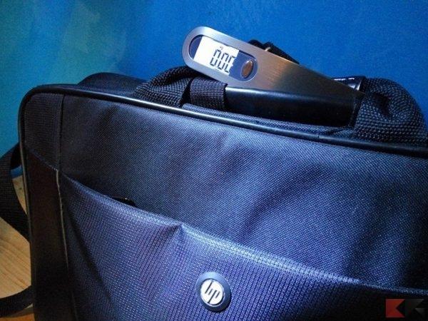Pesa bagagli Spigen luggage scale E500