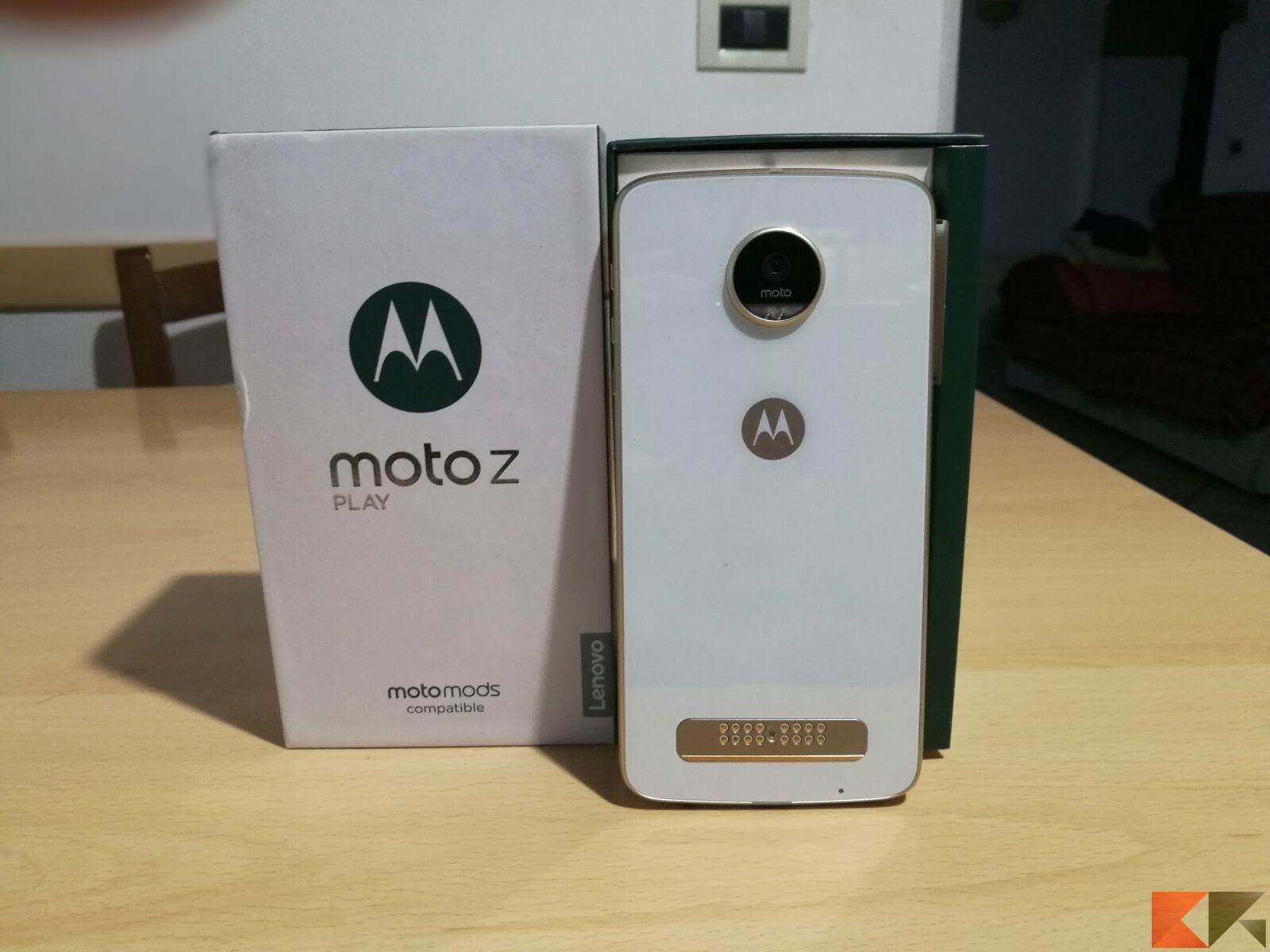 Recensione Lenovo Moto Z Play: una voce fuori dal coro