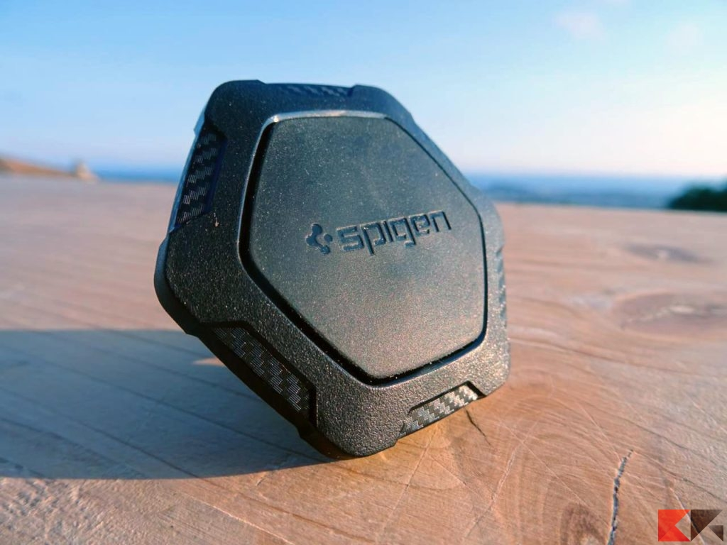 Supporto magnetico per smartphone Spigen supporto auto