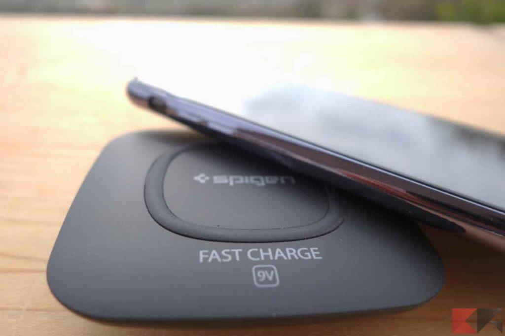 caricabatterie wireless Spigen F301W