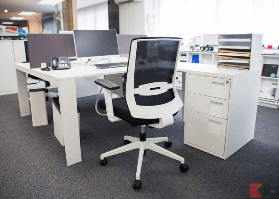 Sedie Da Ufficio Per Postura Corretta : Sedie per ufficio classifica e quale comprare chimerarevo