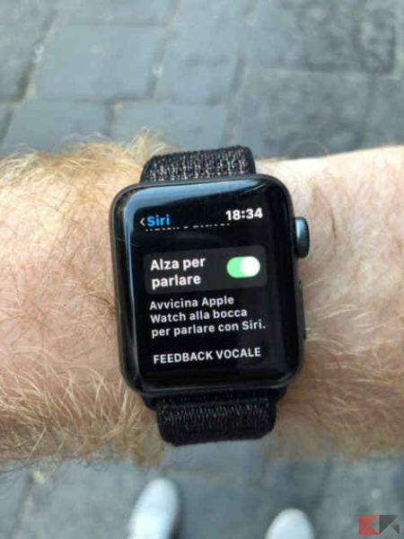 alza per parlare apple watch