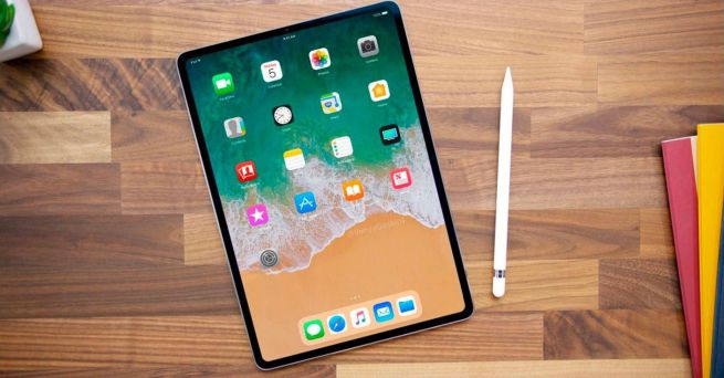 2+2 Pezzi Pellicola Fotocamera per iPad PRO 12,9 Pollici 2020 + Vetro Temperato per iPad PRO 12,9 Pollici Pellicola. UniqueMe