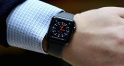 Come spegnere o riavviare Apple Watch bloccato