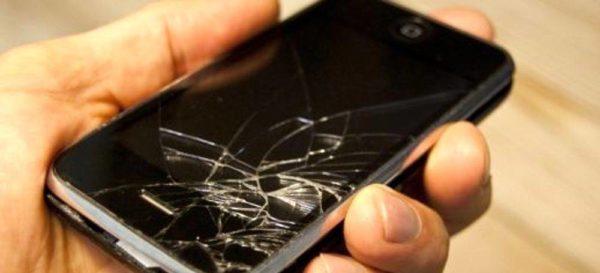 Come recuperare dati da un telefono rotto