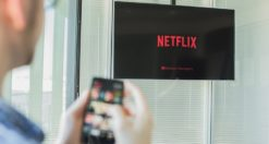 Come vedere film gratis su Smart TV