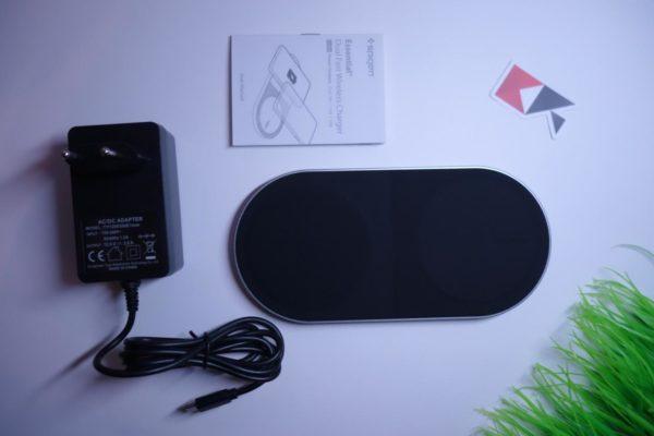 Caricatore Wireless doppio Spigen