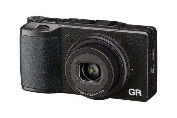 fotocamera compatta con grandangolo