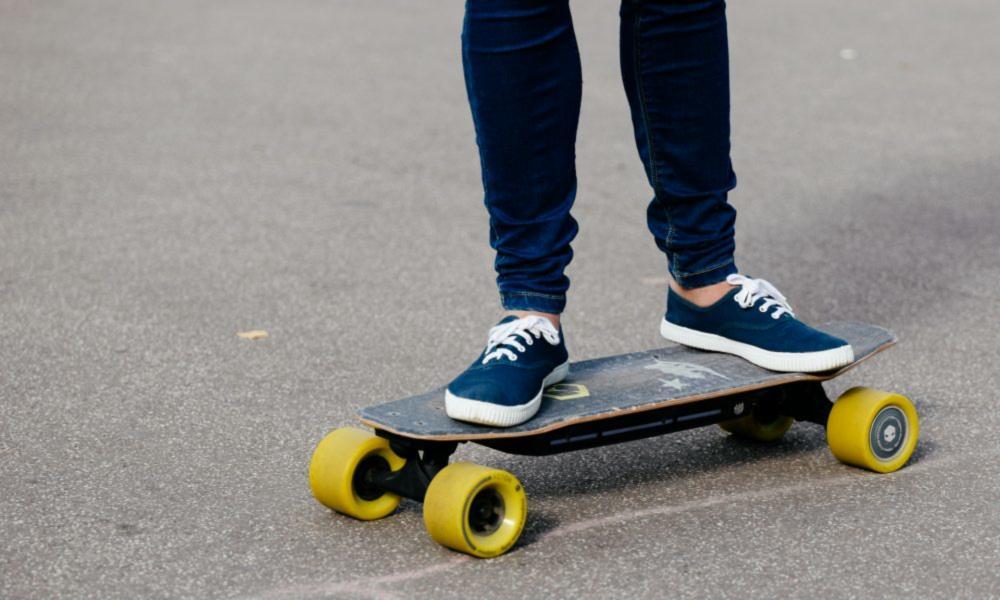 longboard skateboard elettrico 1