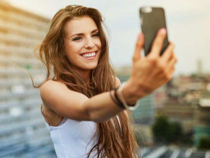 Come scattare selfie perfetti con iPhone e Android