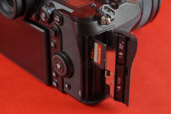 Panasonic Lumix S1 6
