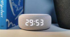 Come modificare la luminosità dello schermo su Amazon Echo Dot con orologio