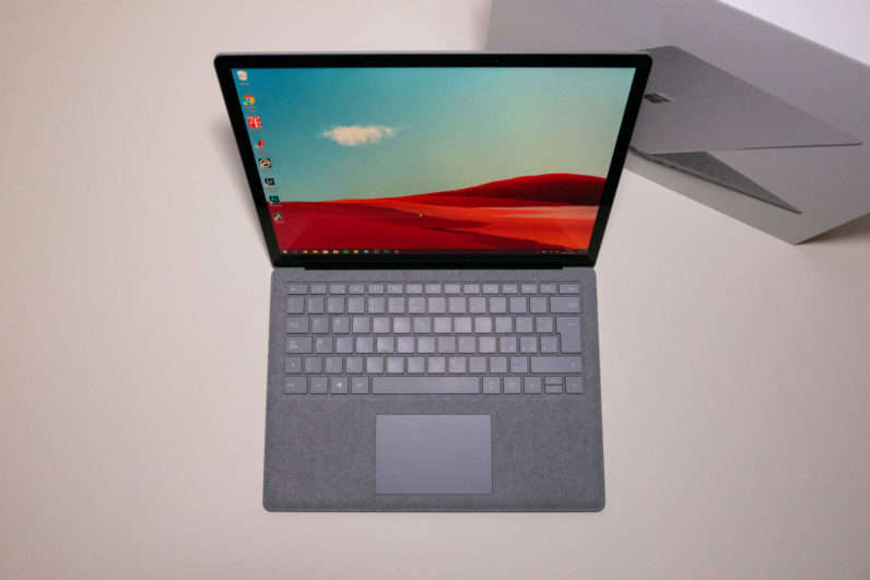 Recensione Surface Laptop 2 8