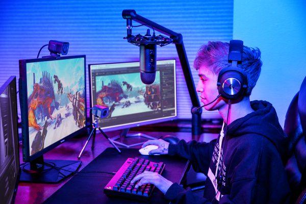 High Resolution JPG Intermediate Gamer Diego Wide 1