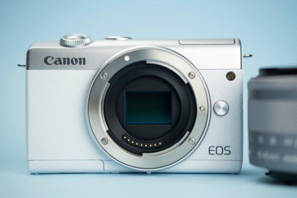 Recensione Canon EOS M200 04
