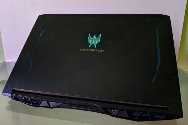 predator helios 300 17