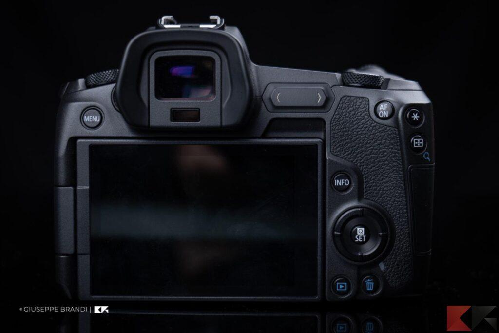 Recensione Canon EOS R parte posteriore
