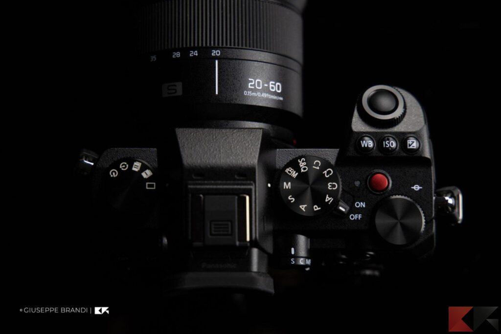 Recensione Panasonic Lumix S1 parte superiore