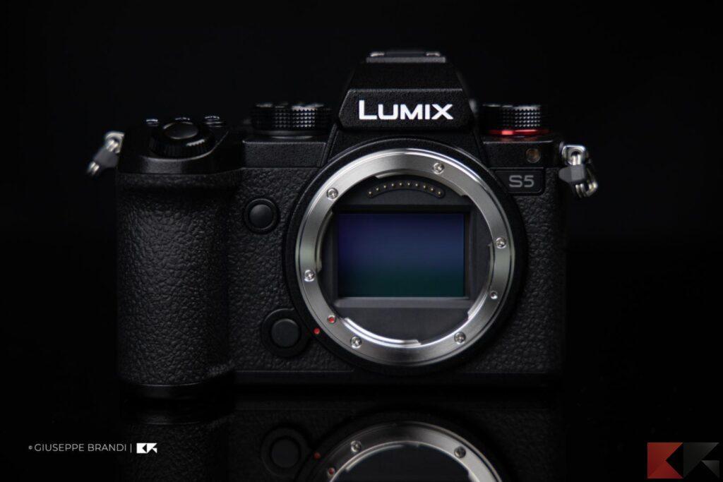 Recensione Panasonic Lumix S1 parte frontale
