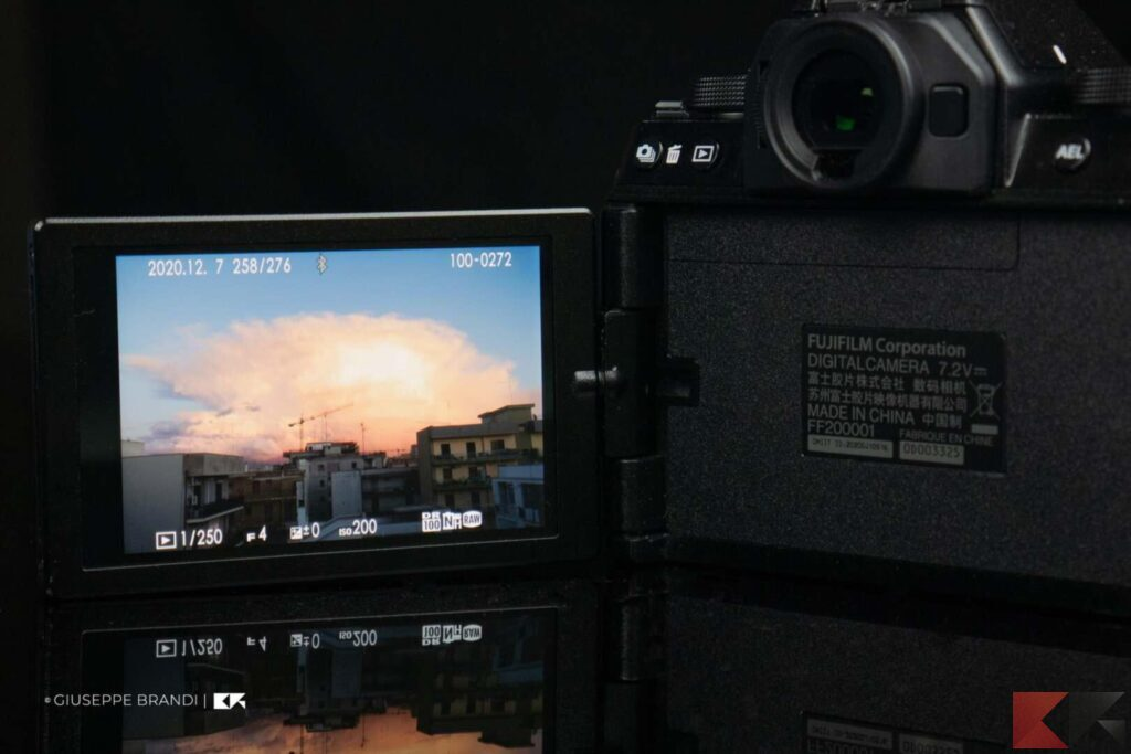 Fujifilm X-S10 display e mirino