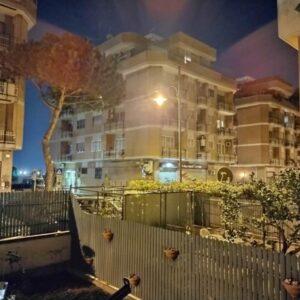Scatto di notte con fotocamera principale e modalità notte ON