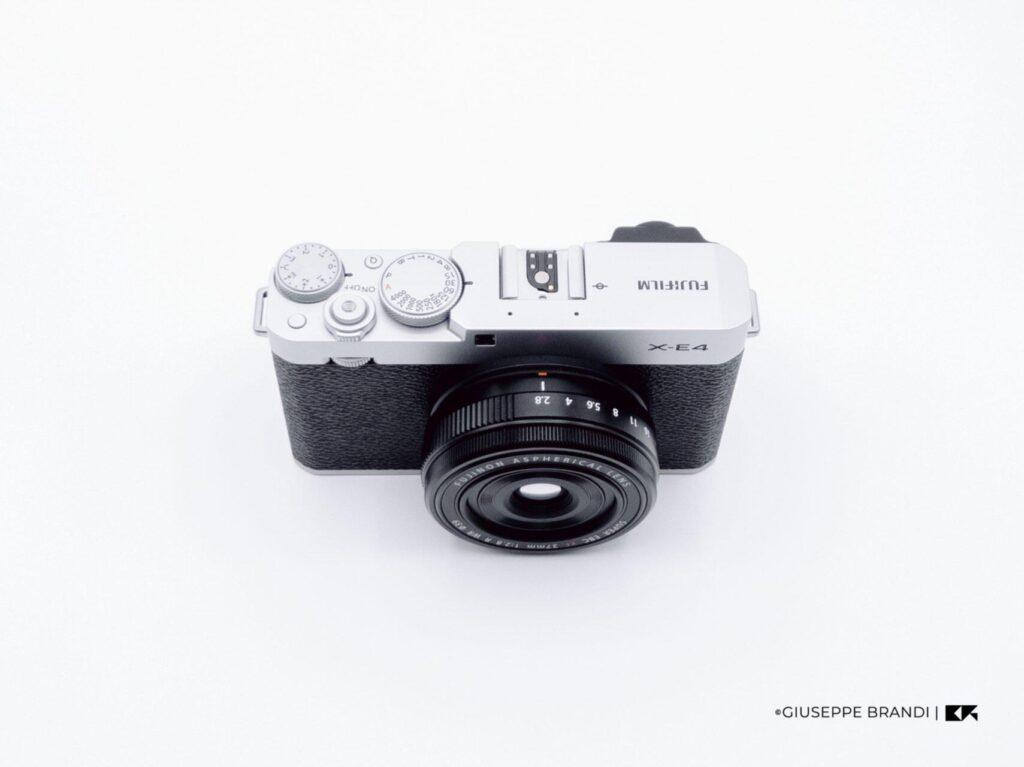 Recensione Fujifilm X E4 03