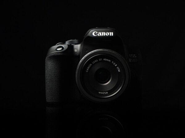 Recensione Canon EOS 850D 01
