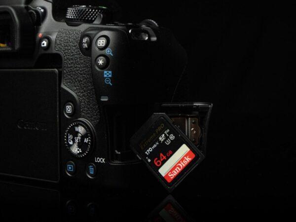 Recensione Canon EOS 850D 06