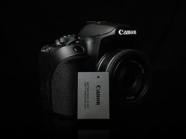 Recensione Canon EOS 850D 07