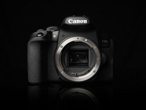 Recensione Canon EOS 850D 08