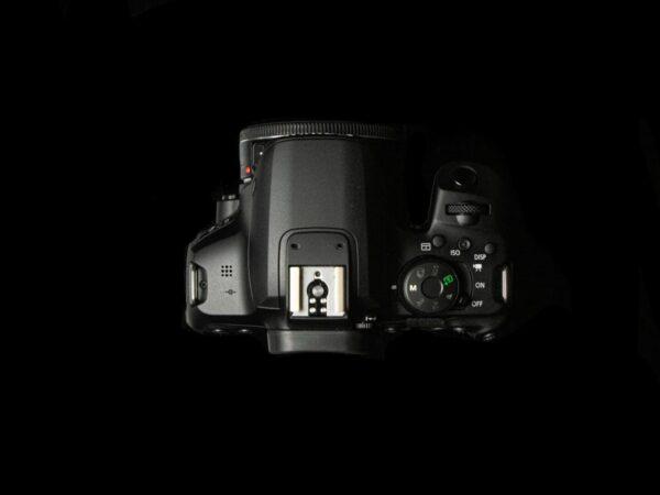 Recensione Canon EOS 850D 10