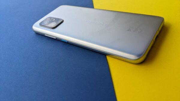 ASUS Zenfone 8 Design3